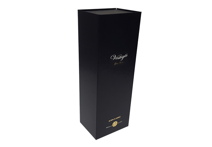 caja-forrada-carton-cava-vino-700X488