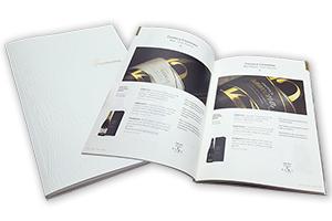 Catálogo con relieve y stamping